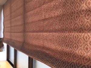 民族調の柄をビンテージ調の織物にした生地